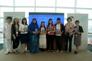 The Splash! Asia Committee together with 3 authors featured - Naomi Kajima, Holly Thompson (1st and 2nd from left) and me (2nd from right)