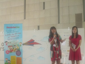 """Left: Author Pauline Loh (also my writing partner) launching """"Little Jay Writes and Adventure""""  her 2nd bilingual picture book in the series of The Chronicles of Meng Meng and An An by Mandarina Kids"""