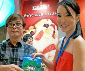 Patrick with actress Fann Wong